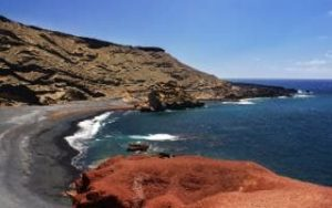 lanzarote-beaches-ElCharoVerdeorGreenlake-is-alagoon-declared-nature-reserve-small