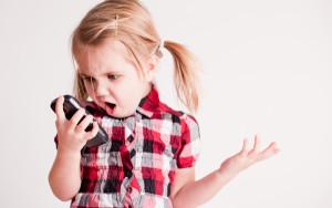 divorce-kid-phone