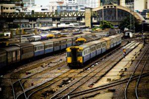 train-781000_1920