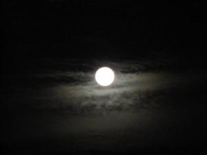 full-moon-1366924091muB