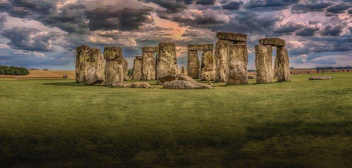 stonehenge-1590047__340