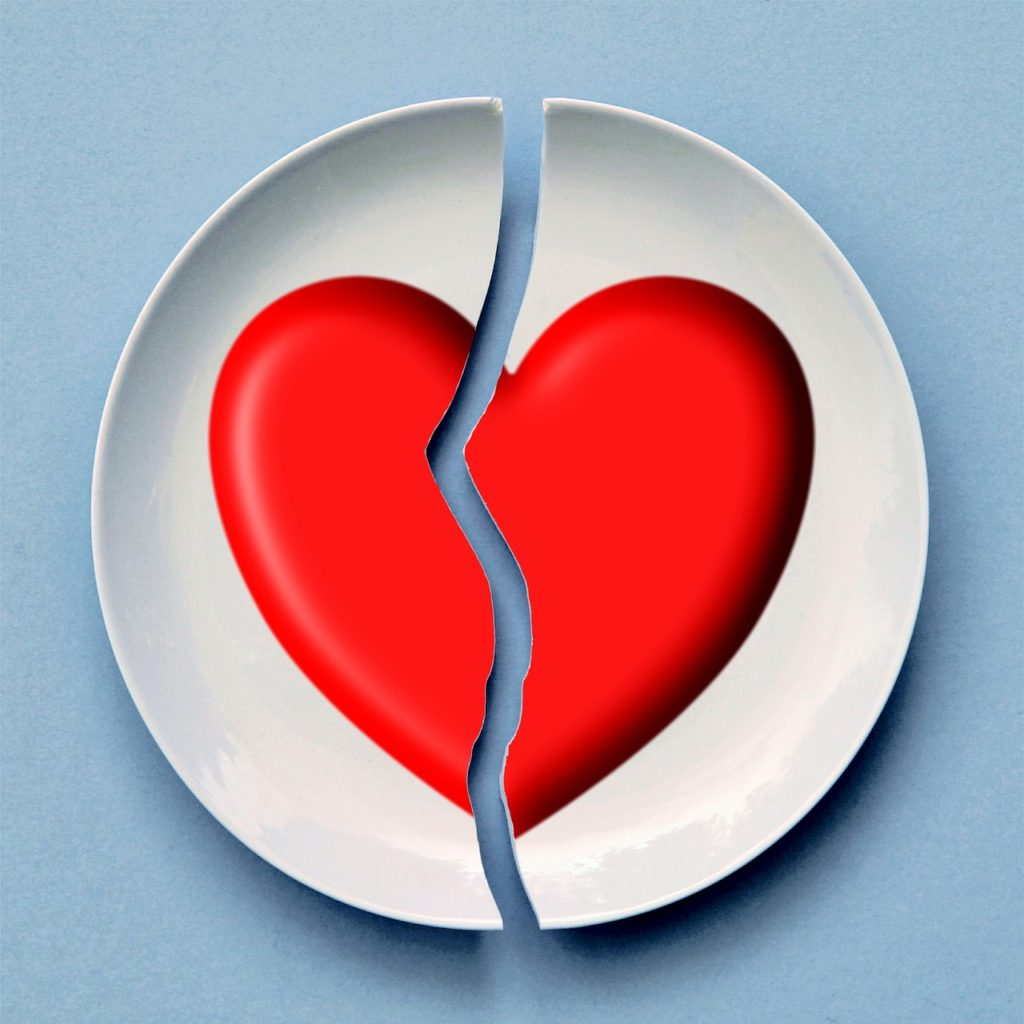 Heart plate with a broken heart ... used for blog post entitled: Prospecting Tips: How to properly pitch your deal to other marketers.